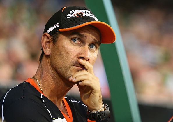 Justin Langer ends England speculation by extending Western Australia contract