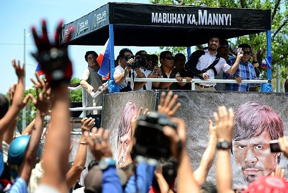 Hero's welcome for Manny Pacquiao in Manila