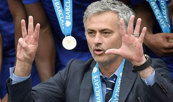 Chelsea manager Jose Mourinho pokes fun at Premier League title rivals