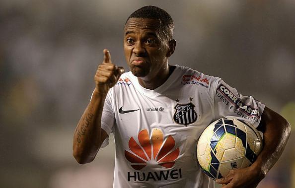 Flamengo consider Robinho bid