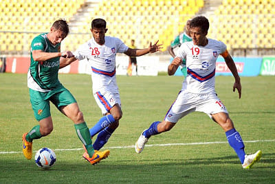 Salgaocar FC trash Bharat FC 5-1 to take relegation battle to the wire