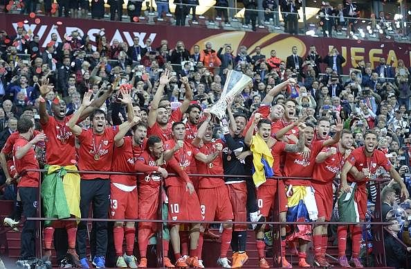 Highlights: Sevilla defeat Dnipro 3-2 to clinch record-breaking 4th Europa League