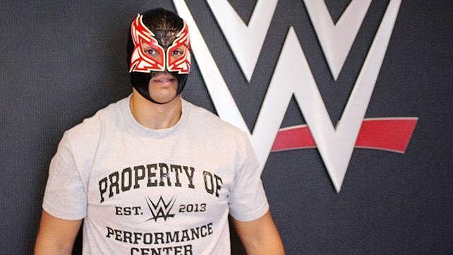 WWE's new masked wrestler, Alberto's Lucha Underground deal, Terry Funk update