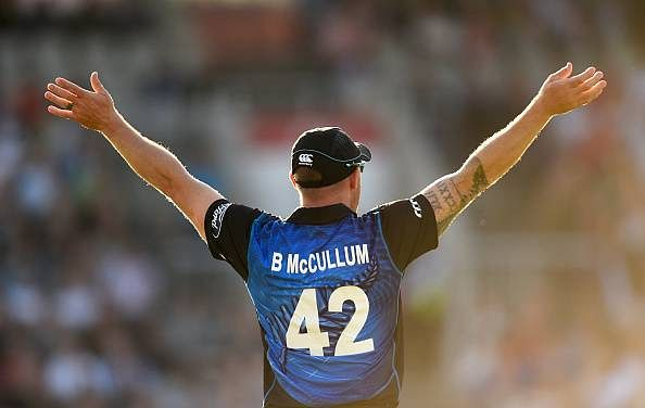 Brendon McCullum agrees to lead New Zealand for another year