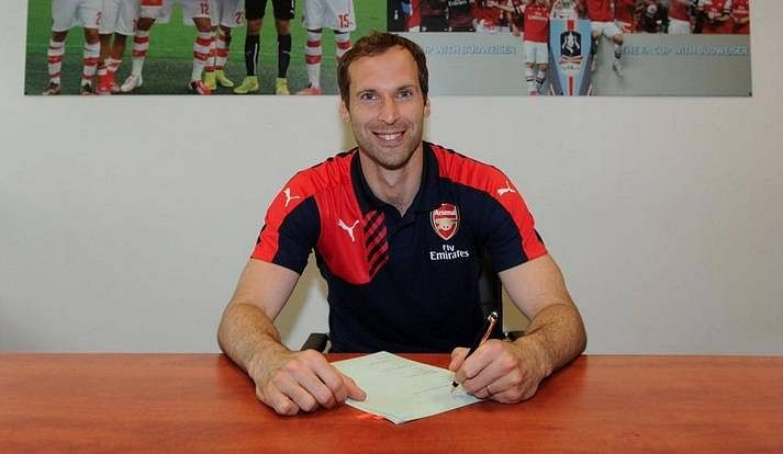 Petr Cech officially completes switch from Chelsea to Arsenal