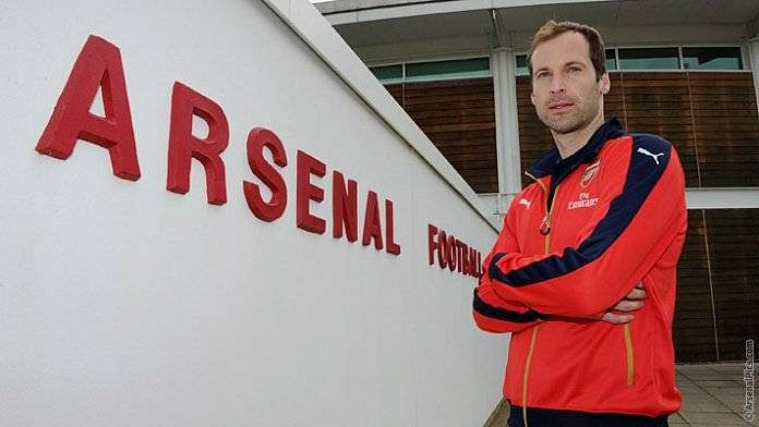 Have Arsenal increased their chances of winning the Premier League with Petr Cech's signing?