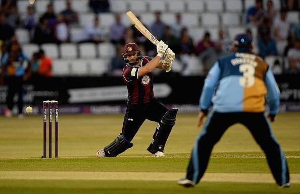 Derbyshire suffer 8-wicket defeat against Worcestershire