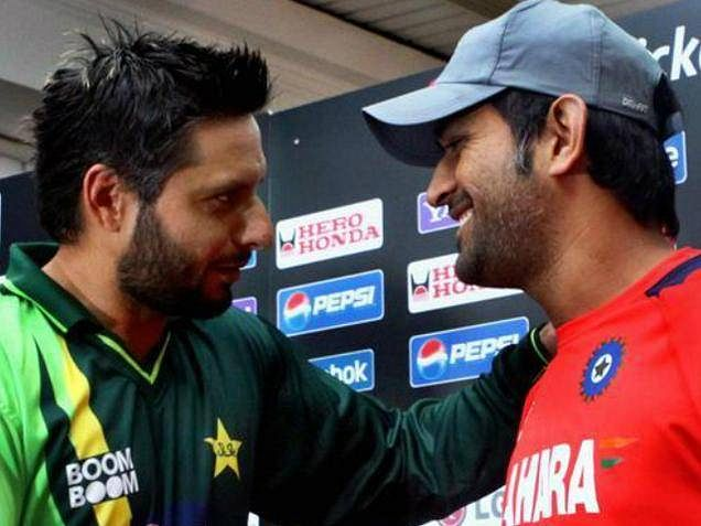 Subcontinental trend to blame heroes after defeats: Shahid Afridi on MS Dhoni
