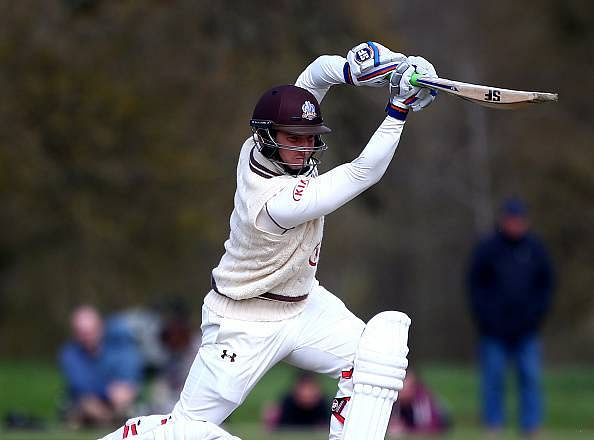 Derbyshire trail Surrey by 175 runs after day one
