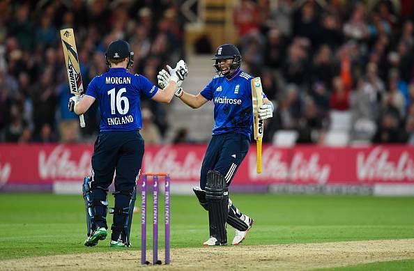 Eoin Morgan and Joe Root lead England to extraordinary win over New Zealand