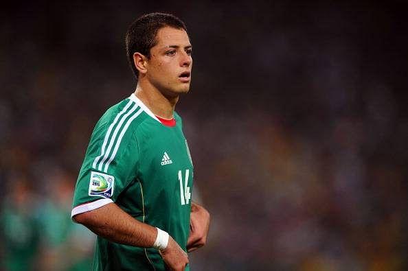 Mexican striker Javier Hernandez undergoes successful surgery