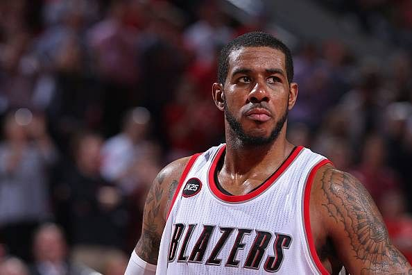 LaMarcus Aldridge tweets his decision to sign with the San Antonio Spurs