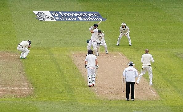 Video: Adam Voges' no-look catch stumps Alastair Cook