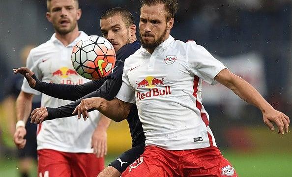 Video: Red Bull Salzburg show off smart corner routine