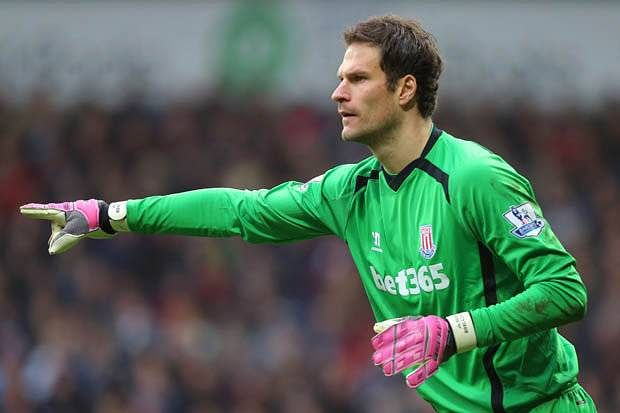 Report: Stoke City's Asmir Begovic emerges frontrunner to replace Petr Cech at Chelsea