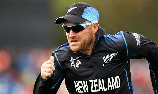 Brendon McCullum tells David Warner to show respect to Joe Root