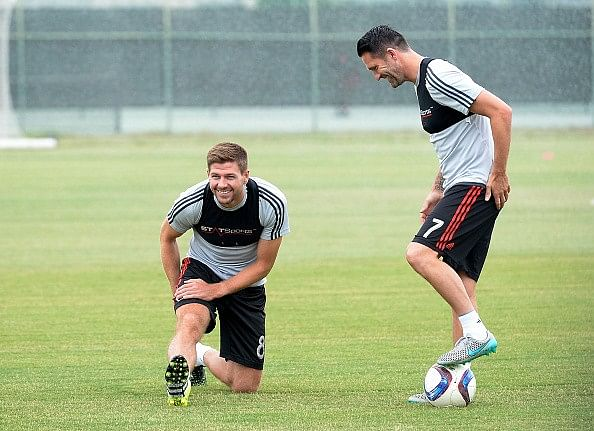 Video: Journalist fails to distinguish between LA Galaxy's Steven Gerrard and Robbie Keane