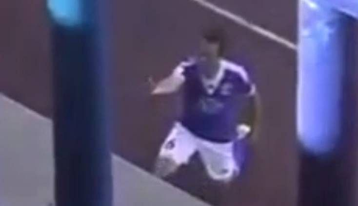 Video: Belarusian footballer celebrates goal by proposing to girlfriend