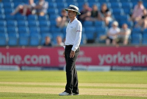 Video: When it took the umpire ages to give an LBW - Longest decision in cricket?
