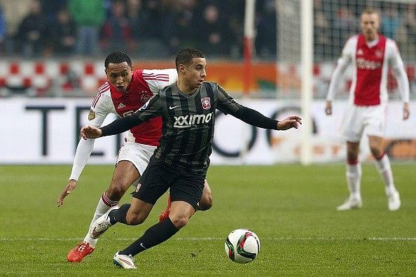 Benfica sign FC Twente winger Ould-Chikh