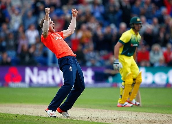 England win only T20I after Australian collapse sees last 5 wickets fall for 14 runs