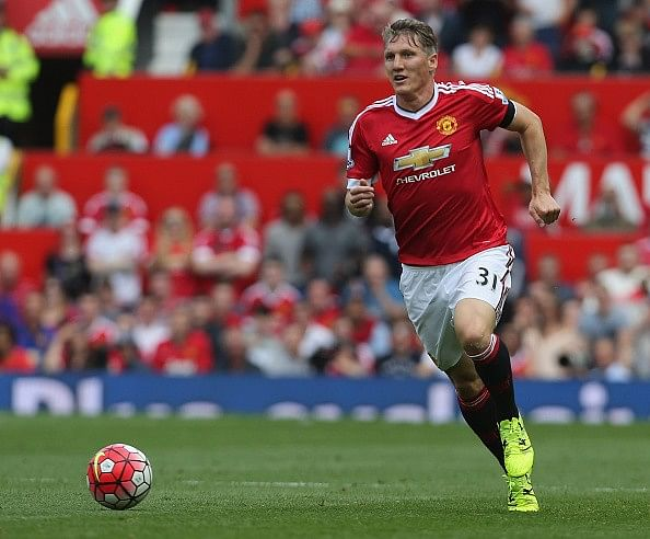 Bastian Schweinsteiger thanks Marouane Fellaini and Van Gaal for No. 31 jersey at Manchester United