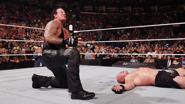 The Undertaker collapses after SummerSlam match, WWE referee addresses main-event controversy