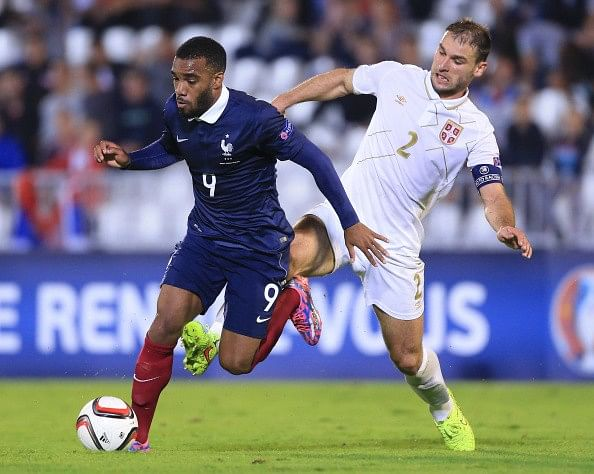 Alexandre Lacazette signs new long-term contract with Olympique Lyonnais