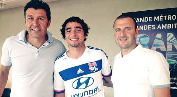 Lyon confirm agreement with Manchester United for Rafael da Silva's transfer
