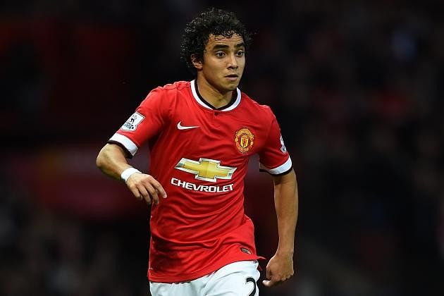 Report: Manchester United defender Rafeal set for medical ahead of Lyon move