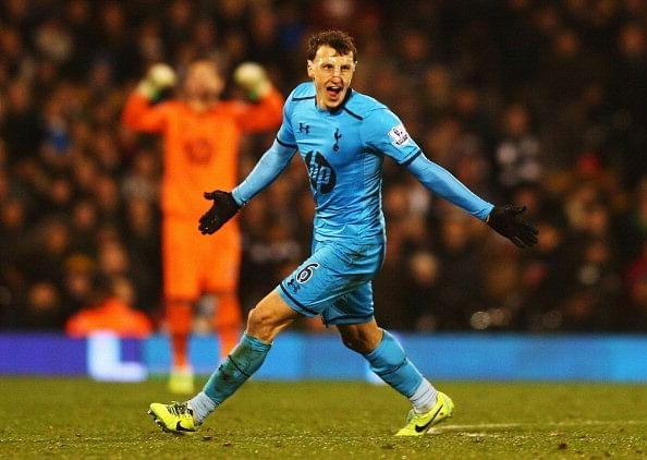 Tottenham Hotspur defender Vlad Chiriches joins Napoli
