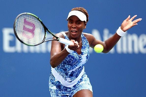 Venus Williams earns undergraduate degree