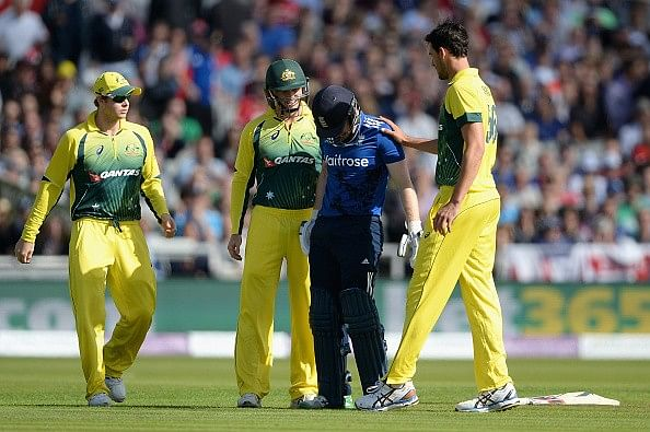 Video: Eoin Morgan retires hurt after being struck on helmet by a Mitchell Starc bouncer