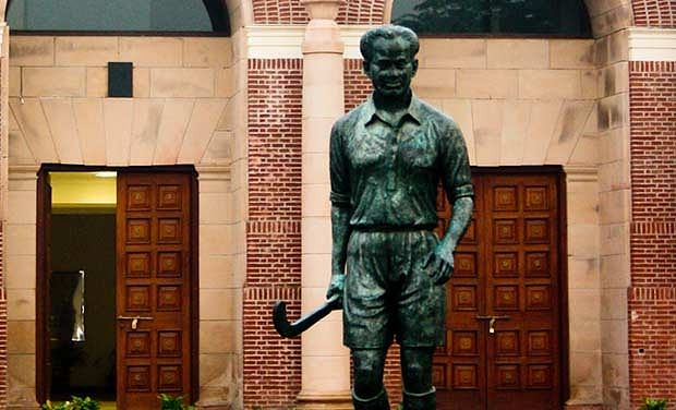 Debunking the myth of the Major Dhyan Chand statue in Vienna - What is the real story?