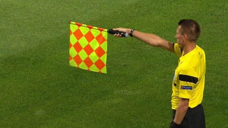 5 cleverest offside traps in modern day football slide 5 for Ley del offside