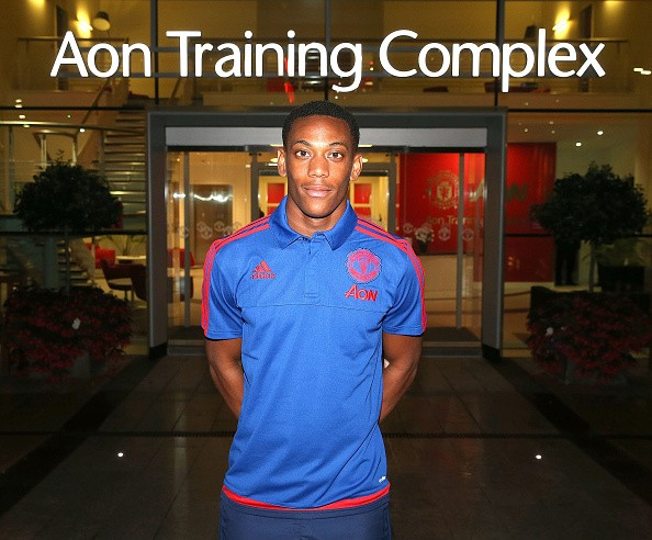 Gary Neville and Thierry Henry give their thoughts on Manchester United signing Anthony Martial