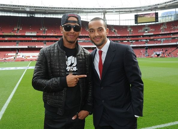 Arsenal fans congratulate Theo Walcott on Twitter after Lewis Hamilton wins F1 championship