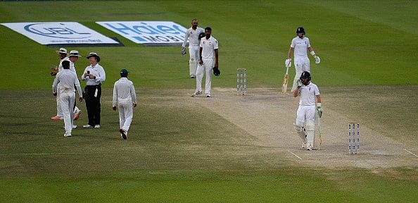 England captain Alastair Cook expresses frustration with law after being denied victory over Pakistan for poor light