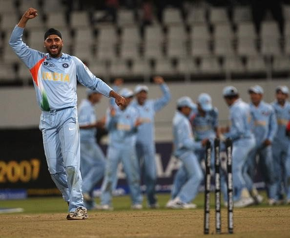 6 stunning bowling performances in Super Overs