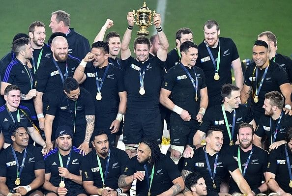 Rugby World Cup: New Zealand beat Australia 34-17 to become first defending champions to retain title