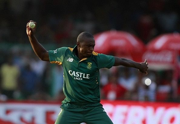 5 bowlers who defended less than 6 runs in the last over of an ODI