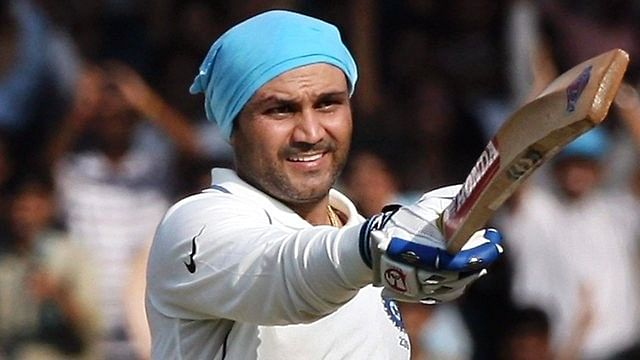 Video: Crowd goes crazy after Virender Sehwag's century against Karnataka in the Ranji Trophy