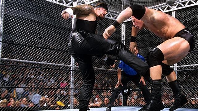 Undertaker Vs Brock Lesnar No Mercy 2002 3 memorable Hell in a ...