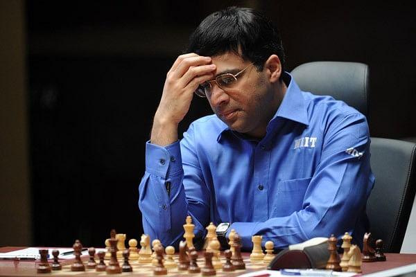Vishwanathan Anand handed shock defeat by Anand Giri at Bilbao Masters