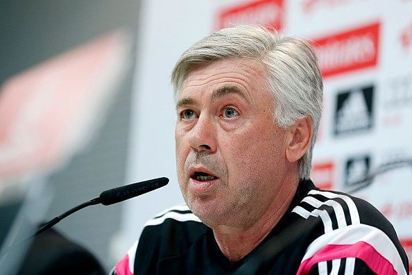 Why is Carlo Ancelotti's left eyebrow arched?