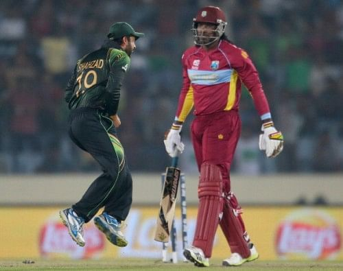 Chris Gayle and Ahmed Shehzad indulge in some banter on Twitter