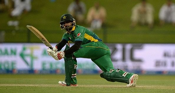 Mohammed Hafeez shines with the bat as Pakistan register victory in Younus Khan's last ODI