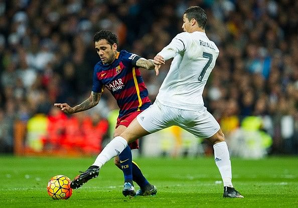 Dani Alves suggests Cristiano Ronaldo to deal with criticism coming his way