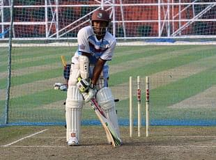 Why did Shivnarine Chanderpaul have an unusual batting stance?
