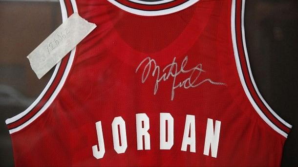 Michael Jordan's jersey sells for eight figures, Durant misses three games straight